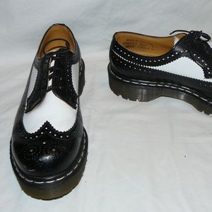 Dr Martens 3989 BROGUE Black & White Oxfords